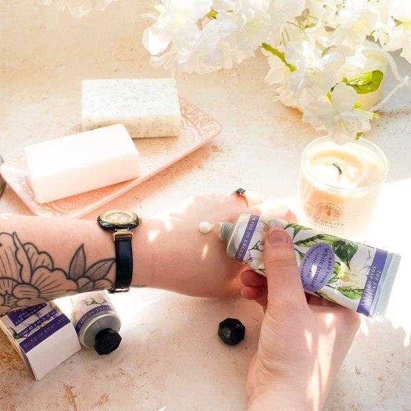 TC0005 White Jasmine Hand Cream