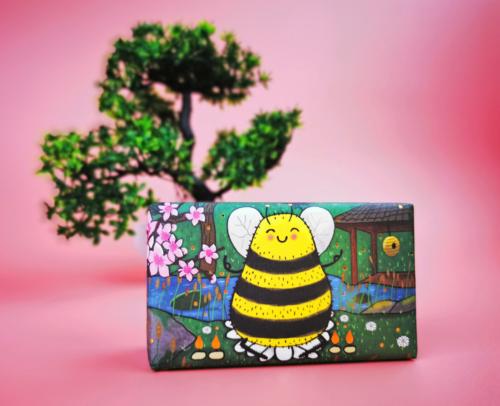 Bee Lifestyle
