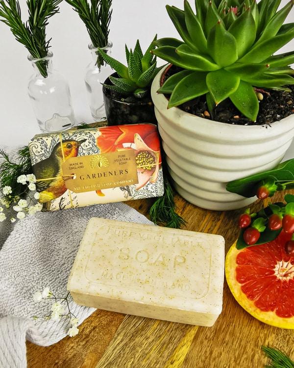 Plastic-free soap